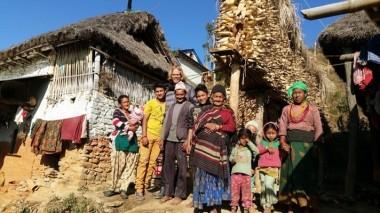 Besuch bei einer Familie eines reintegrierten Kindes, um zu sehen, wie es ihm nun geht.